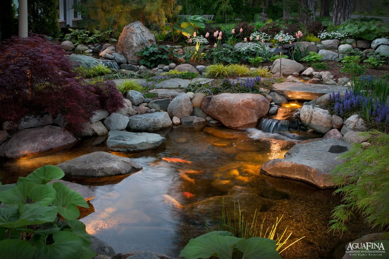 Aguafina Intimate Courtyard Pond